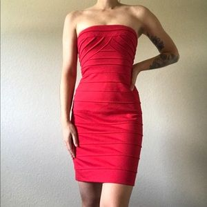 BCBGMAXAZRIA Red Ribbed Strapless Mini Dress